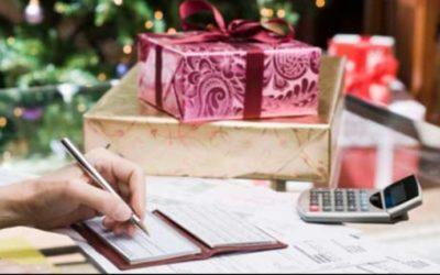 Pięć finansowych błędów, które psują świąteczną atmosferę. Jak ich uniknąć?