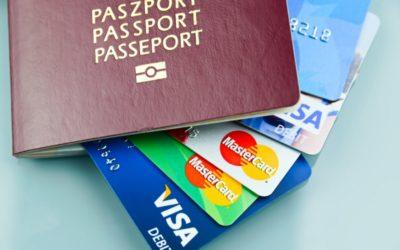 Wielowalutowa karta płatnicza. Czy warto ją wziąć na wakacje?