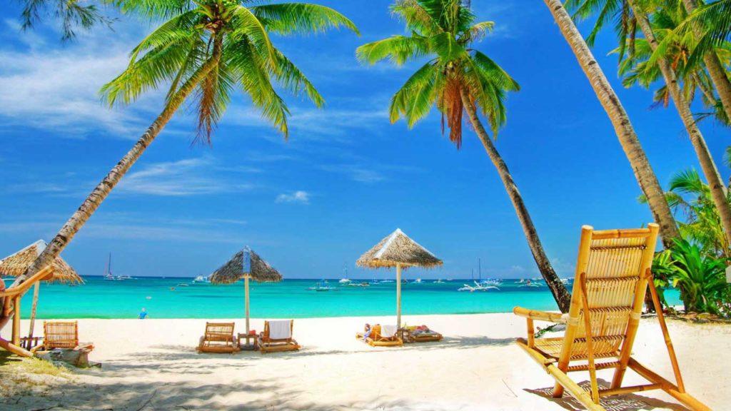 Jak nie zbankrutować od leżenia na plaży, czyli finansowy niezbędnik na wakacje