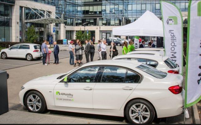 Czy warto wziąć auto na minuty? Porównuję car-sharing w 4Mobility i Traficar