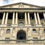 Dlaczego nie warto trzymać oszczędności tylko w banku? Jeden miażdżący argument