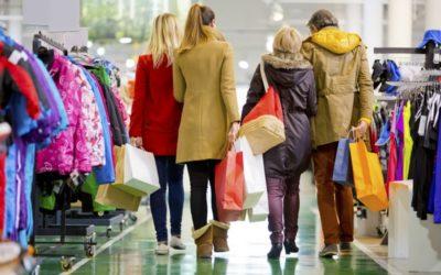 Cash-back: w sklepie wypłaty gotówki bywają tańsze, niż w bankomacie. Spróbujcie!