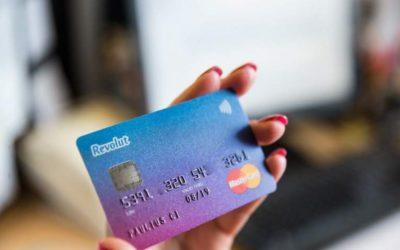 Jedna karta do wszystkich walut, przesuwanie kasy między kontami bez spreadu? Tak działa Revolut