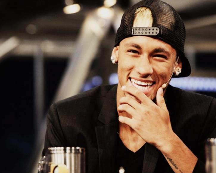 Neymar: człowiek za 222 mln euro i… 135.000 euro dniówki. Co można kupić zamiast niego? I ile da się na nim zarobić?