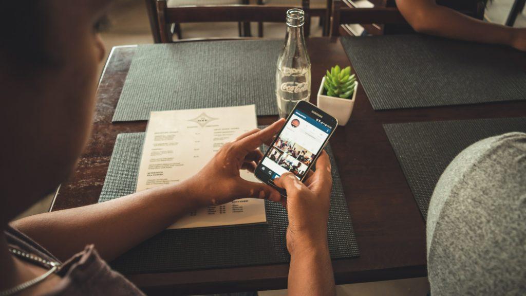 Wirus zaatakuje cię na smartfonie! Podszyje się pod aplikację bankową i ukradnie pieniądze. mBank już przed tym ostrzega!