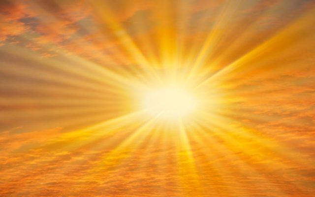 Padł rekord ciepła: 38 stopni w cieniu! Ile nas kosztuje każdy dzień pracy w skwarze? Prawie miliard złotych! Czas na narodową sjestę?