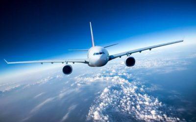 Zacięty bój z linią lotniczą o znaczenie… jednego słówka w regulaminie. Stawka? Niemała