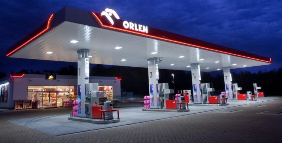 Czy warto pożyczyć pieniądze paliwowemu gigantowi? PKN Orlen zapłaci wyższe odsetki, niż twój bank