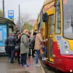 Nowy sposób płacenia za przejazdy autobusem i tramwajem. Bilet już niepotrzebny! Pokochacie to?
