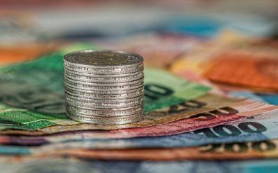 """Co się musi stać, żebyśmy przestali kochać banknoty i przerzucili się na """"bezgotówkę""""? Te trzy rzeczy"""
