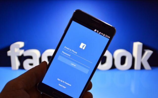"""Banki ostrzegają przed oszustwem metodą """"na wnuczka z Facebooka"""". Można stracić wszystkie pieniądze!"""