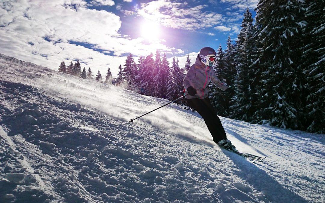 Wyjeżdżasz na narty? Bez takiego ubezpieczenia nawet nie wchodź na stok, bo będzie bolało!