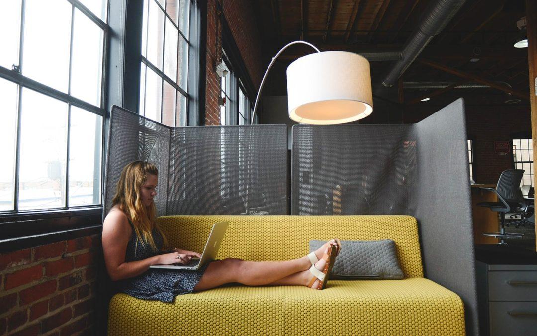 Faktury w chmurze: nowy pomysł Idea Banku na przyciągnięcie przedsiębiorców. Czy to ma sens?