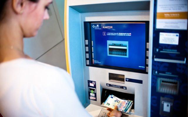 Poznajcie automatyczny kantor. Do wymiany walut kasjer już się nie przyda? Ostatnio korzystałem i…