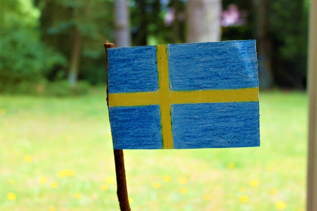 """Takich prezentów jeszcze nie rozdawali. Można dostać 10.000 zł """"szwedzkiej dotacji"""" na ogrzewanie domu. Gdzie haczyk?"""