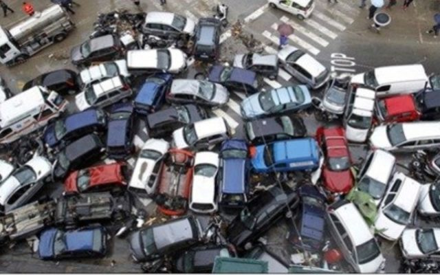 Jak obniżyć składki za ubezpieczenie naszych samochodów? Jest kilka pomysłów, ale… ubezpieczyciele muszą chcieć pomóc