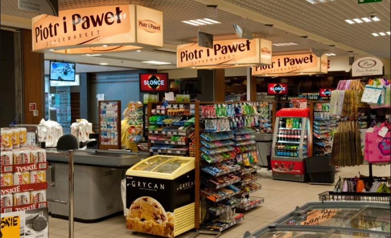 """Zakupy bez karty i bez kasy. Skanujesz towary smartfonem, """"zaliczasz"""" check-point i… gotowe. Piotr i Paweł (prawie) jak Amazon"""