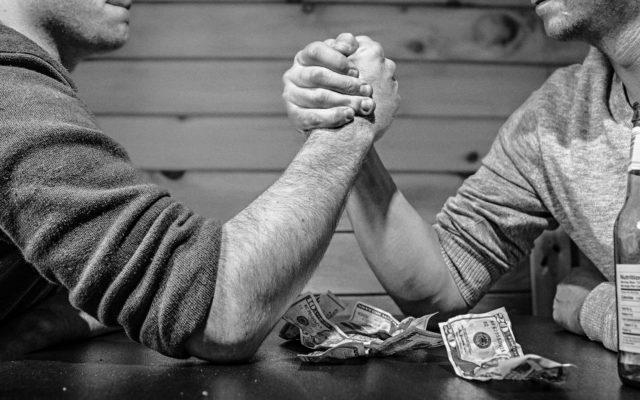 """Dla nowych klientów wprowadzają konto za zero. Dla """"starych"""" – nowe opłaty. I włączają im domyślnie płatne usługi"""