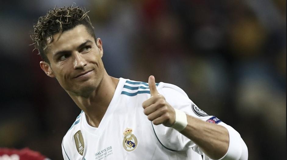 Najlepszy piłkarz świata, Cristiano Ronaldo, wreszcie zasłużył na podwyżkę. I to jaką! Ile będzie zarabiał? I kto go zakasuje?