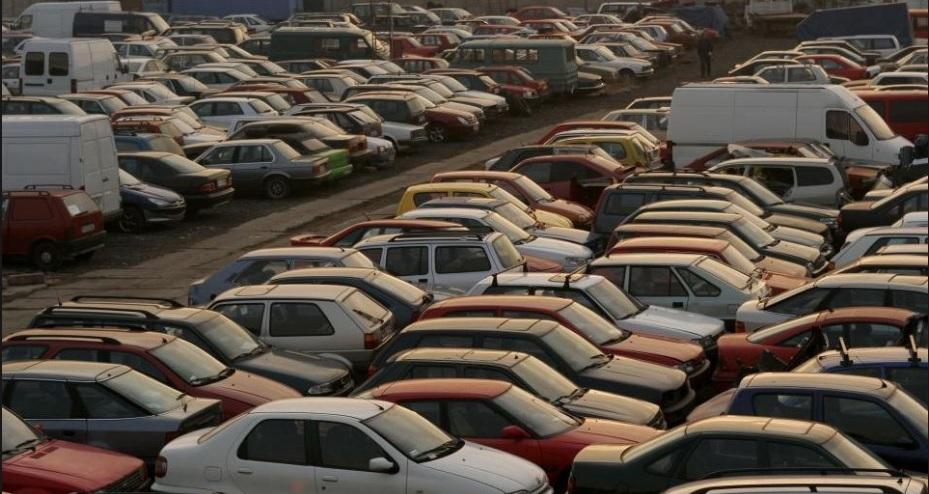TCO, czyli ile naprawdę kosztuje cię samochód? Paliwo, ubezpieczenie, serwis, amortyzacja. Zsumowałem to i… mam trzy wnioski