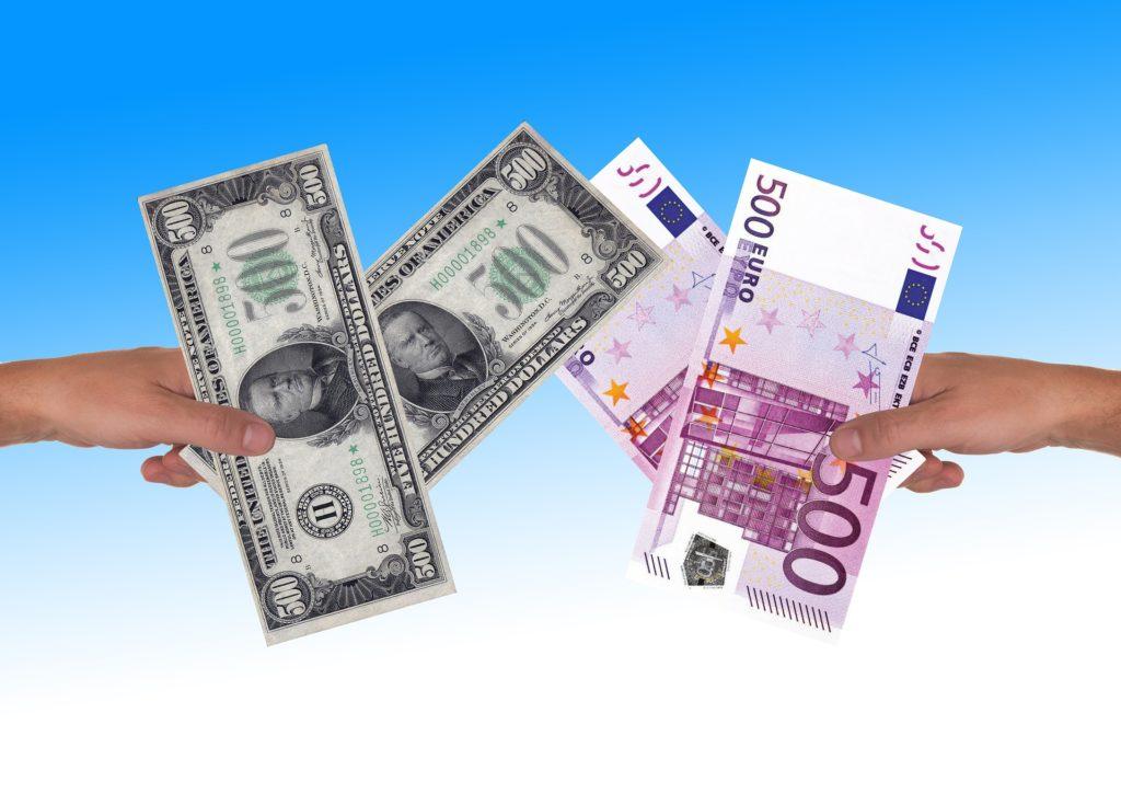 Nieuważne kliknięcie i bank naliczył klientowi 1500 zł kosztów. A reklamację odrzucił. Wkraczamy do akcji!