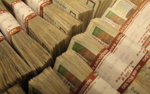 Kiedy zdrada popłaca, czyli ranking lokat bez konieczności zakładania konta. Z 20.000 zł wyciśniesz nawet 200 zł więcej, niż w swoim banku!