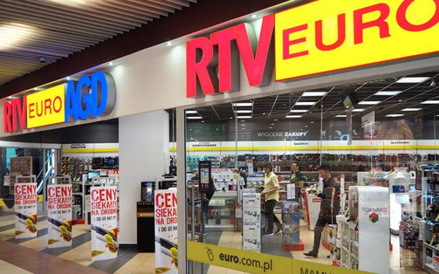"""Już ponad dwa miesiące walczy o dostarczenie zamówienia z Euro RTV. Towar """"dostępny"""", ale dla niego niedostępny. Wszystko przez… cenę?"""