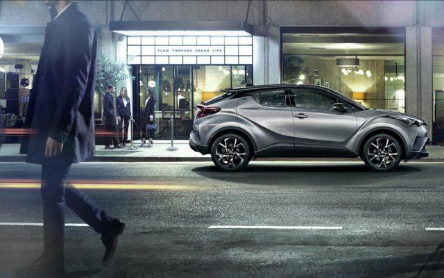 Jak dobrze kupić samochód? Czym kierować się przy wyborze auta nowego, a czym w przypadku zakupu używanego, by ubić dobry interes?