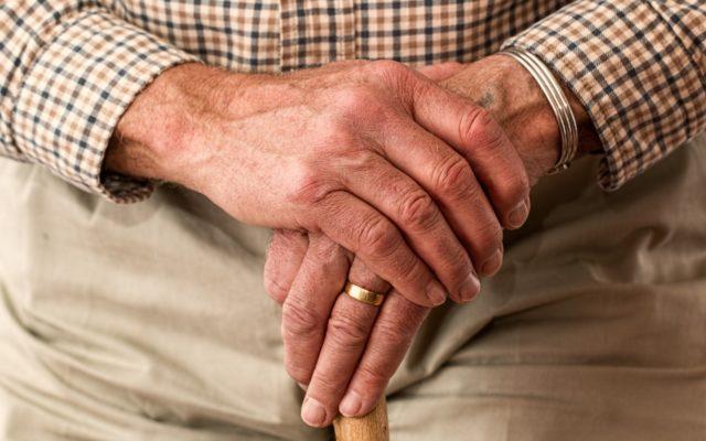 Ile senior może wycisnąć z banku? Przegląd bankowych promocji skierowanych specjalnie do seniorów. Nie zostało ich dużo, ale…