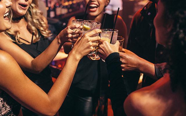 Gorączka sobotniej nocy, szampańska zabawa, night club, a rano… chargeback na pomoc?