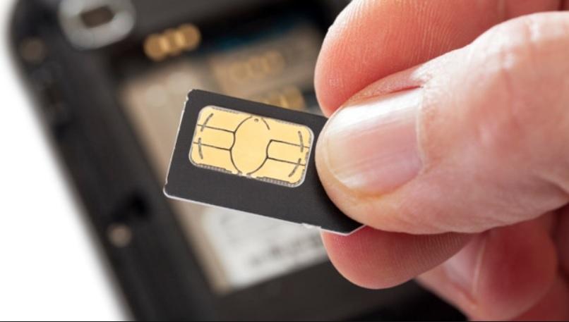 Skopiowali jego dowód, wyłudzili duplikat karty SIM do telefonu i ukradli z konta 1,1 mln zł. Trzy rzeczy, które warto zrobić, żeby tego uniknąć