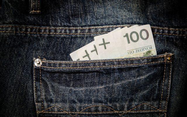 Klient chce zwrotu pieniędzy za nie dostarczone zakupy. Ale chargeback nie zadziałał, bo bank nagle poczuł niemoc. Jakim prawem?