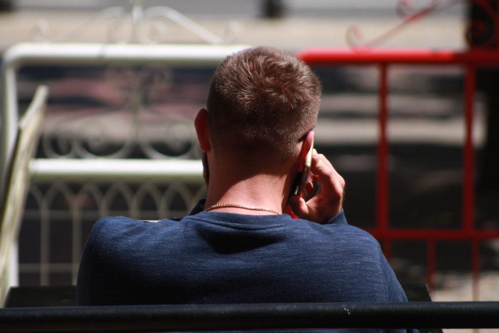 W erze COVID-19 banki otwierają szerzej bankowanie przez telefon. Tymczasem to dziś najszersza brama dla złodziei naszych pieniędzy