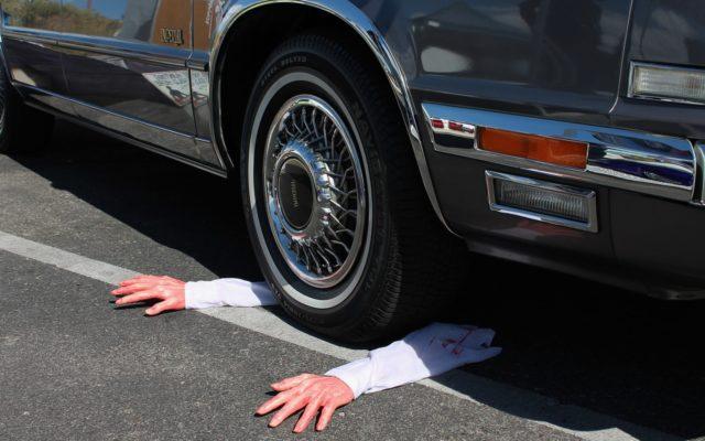 """Jedna firma ubezpieczeniowa, ten sam kierowca i auto. Ale jako """"stary"""" klient zapłacisz inną cenę. Wszystko przez ten automat"""