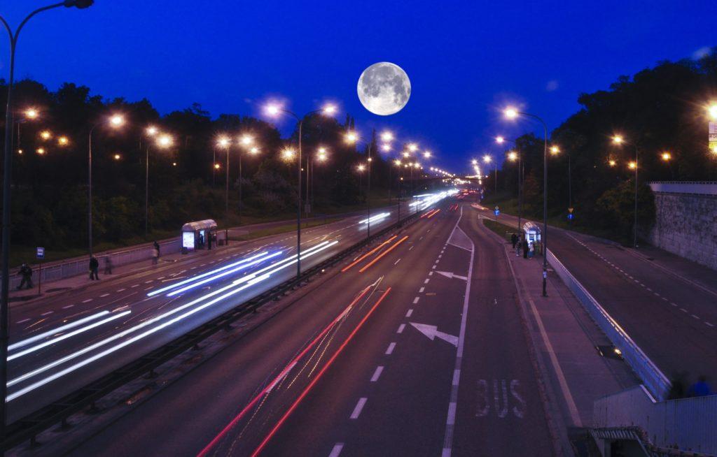 Traficar zabiera z Warszawy wszystkie swoje samochody! Będzie nowe otwarcie: elektryczny car-sharing dla par i singli, prosto z Chin!