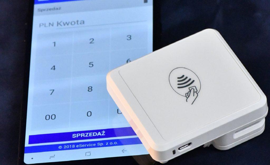 Terminal płatniczy w smartfonie, a potwierdzenie transakcji w e-mailu. Tak działa LitePOS. Ale czy klienci to kupią?