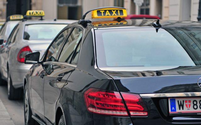 Austriackie gadanie czyli co uwiera Ubera (a co taksówkarza)? Tam, gdzie jakość ma znaczenie, nie trzeba niczego zakazywać?