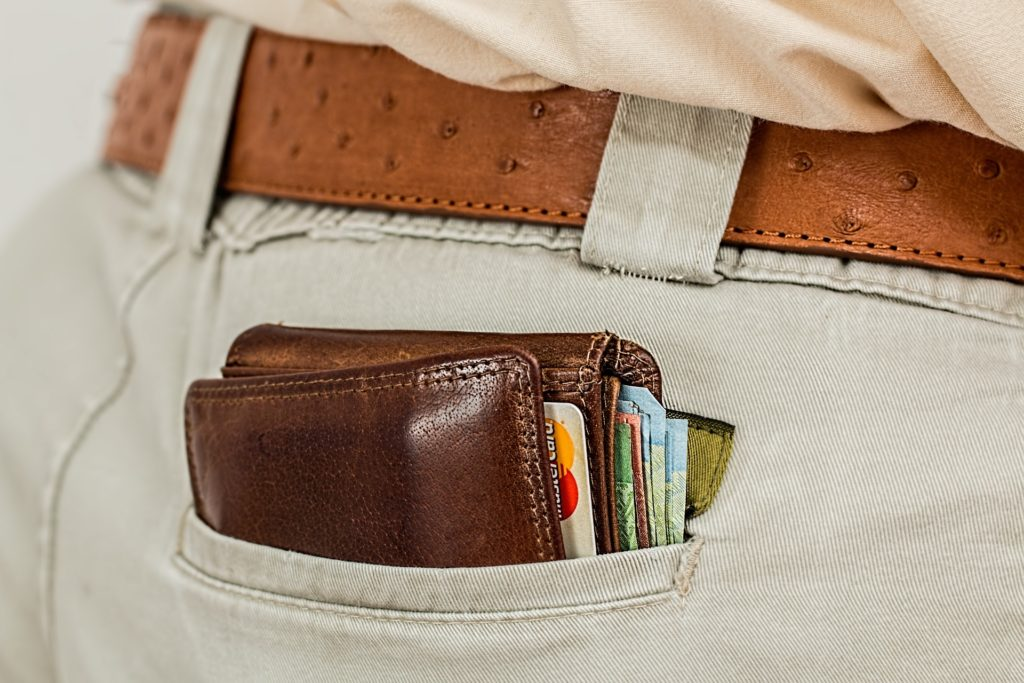 Złodzieje ogołocili twoje konto? Bank musi ci oddać pieniądze następnego dnia. Jest jeden wyjątek, który niestety stał się regułą