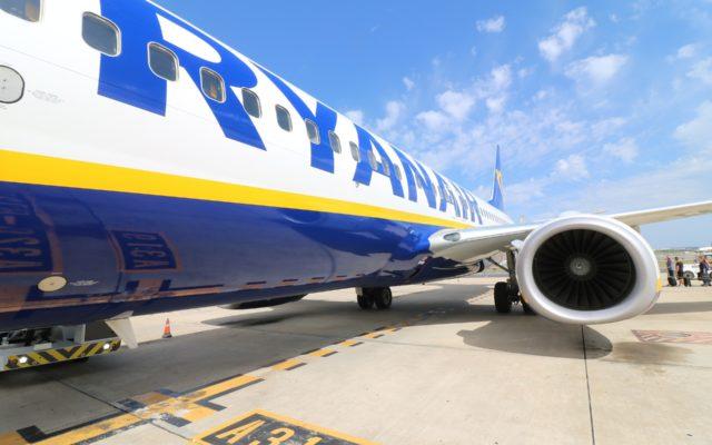 """Ryanair i drobny druczek. Miał być bonus, ale linia wykręca się sianem. """"Bo klient był niezalogowany"""". Sprawdzamy: coś tu nie gra?"""