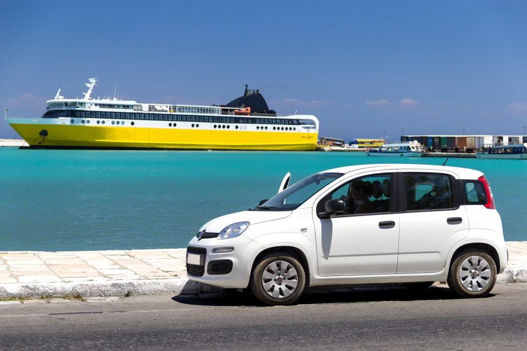 Preautoryzacja karty w hotelu lub wypożyczalni samochodów podczas zagranicznego urlopu? Jak nie dać się złapać w finansową pułapkę? Radzimy!