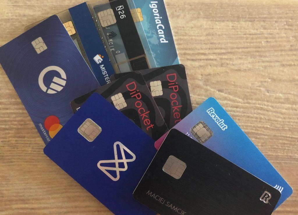 Revolut, Curve, DiPocket, Monese, bankowa bezspreadówka… Wszystko jedno, której używasz? Pojechałem za granicę i sprawdziłem