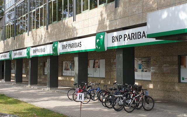 Za dwa miesiące fuzja operacyjna BNP Paribas z ex-Raiffeisenem. Klienci pytają, co z ich lokatami, kartami i bankomatami. Wyjaśniam!
