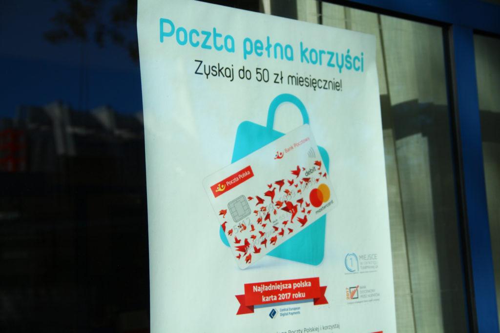 Klienci Banku Pocztowego dopieszczeni: wejdą do EnveloBanku, awizo dostaną SMS-em, a po list polecony nie będą musieli iść na pocztę