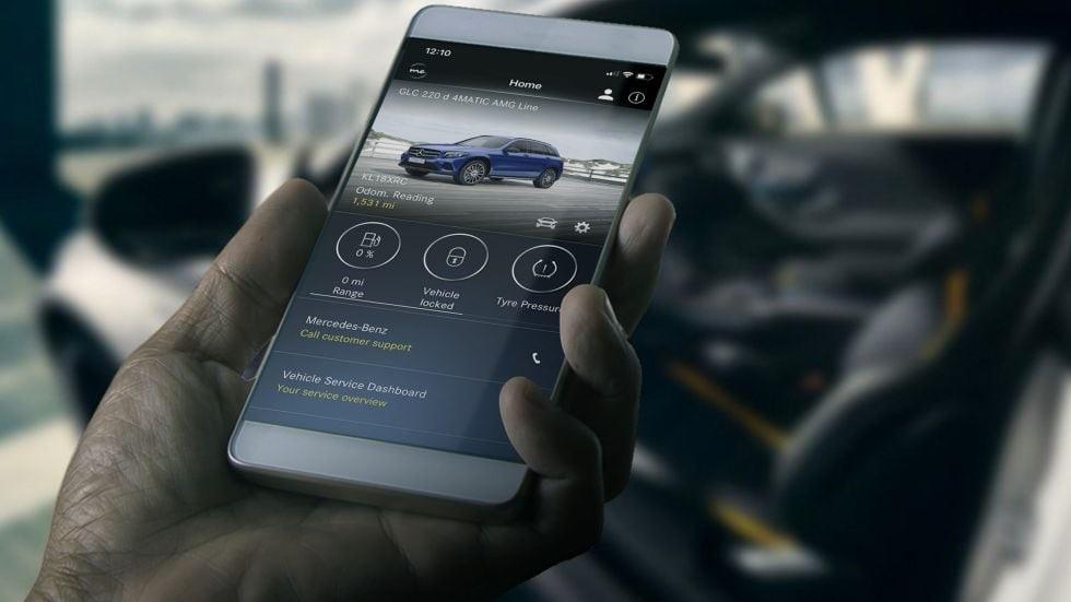 Zakupy internetowe z dostawą do… bagażnika samochodu? Producenci aut już to proponują e-sklepom i kierowcom. Jak działa taki shopping?