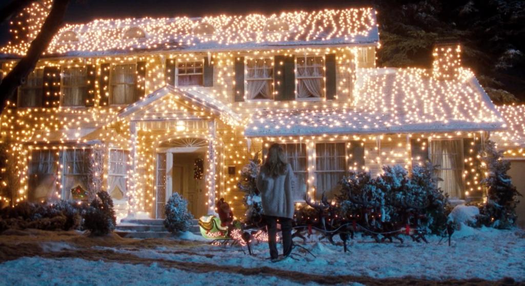 Polaków ogarnęła świąteczna gorączka LED. Stroimy domy lampkami na potęgę. Jakie lampki kupić? Ile to kosztuje? Co z rachunkami za prąd?