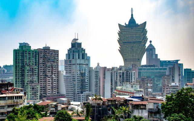 Makau to Chiny, czy tylko takie trochę-Chiny? Przez tę zagwozdkę pan Patryk stracił ponad 500 zł i wkurzył się na sieć Plus