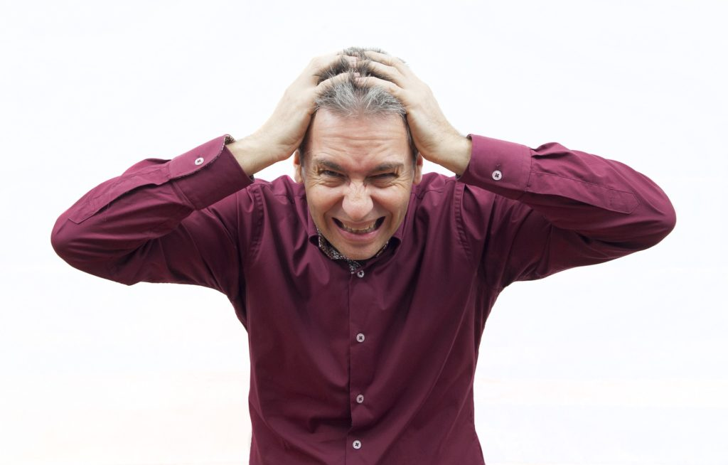Polacy stresują się w pracy i to bardzo. Okazuje się, że najbardziej stres unosi się w powietrzu w… oddziałach bankowych. Współczujecie?