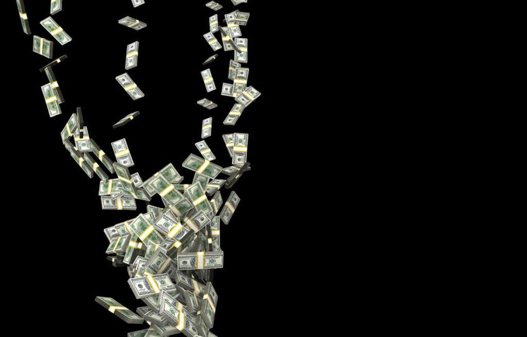 Trump proponuje: 1200 dolarów (prawie) dla każdego! Nowy sposób na ekonomiczne skutki koronawirusa? A ile my powinniśmy dostać?
