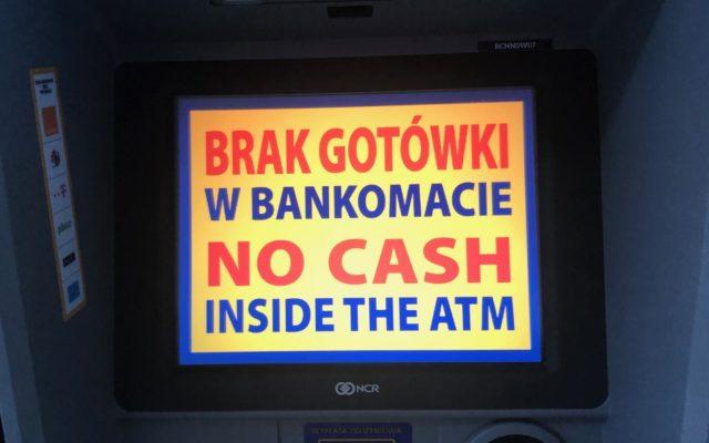 Polska bezgotówkowa ponoć w natarciu, a tymczasem… NBP podał sensacyjne dane o tym, ile banknotów dla nas wydrukował. Jest grubo. A to może jeszcze nie koniec!