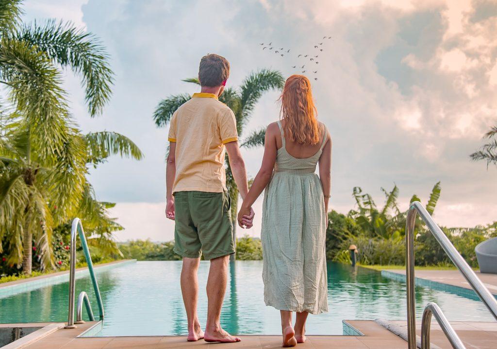 Wakacje 2020: bez kolonii dla dzieci, drinków z palemką i kąpieli w basenie? Pięć rzeczy, które sprawią, że te wakacje będą inne, niż wszystkie. Gdzie i jak rezerwować wczasy?